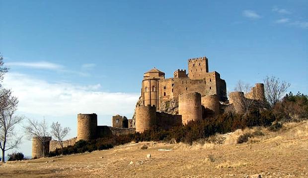 Castillo_de_Loarre_-_Vista_cropped